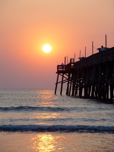 Free Picture: Photo of fishing at the Daytona Beach Sunglow Pier at sunrise.