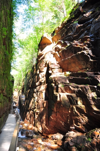 Free Picture: Photo of the Flume Gorge rock formation along a walkway at the base of Mount Liberty in NH.