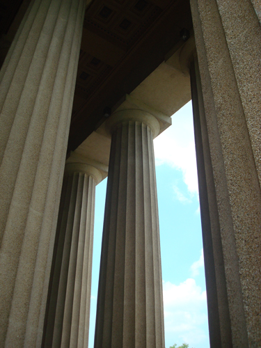 Free Picture: Photo of the columns at the Nashville Parthenon, Tennessee.